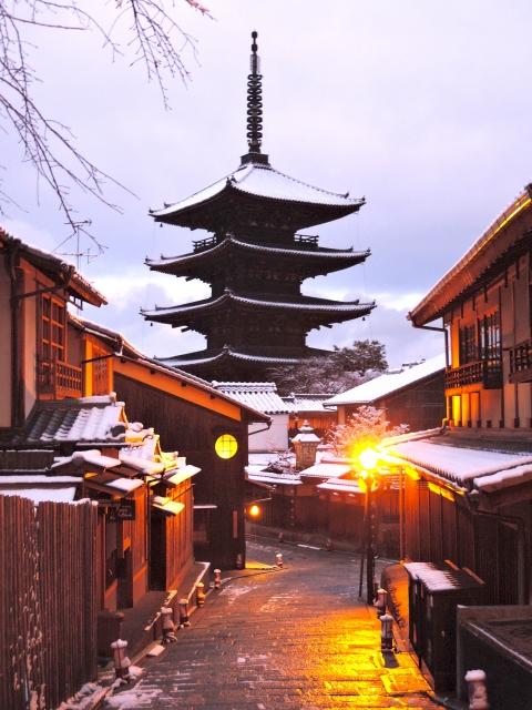 雪化粧の古都